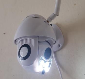 Camera wifi điều khiển có mầu 24/24 XT-R01AJW